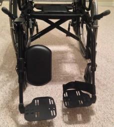 Left leg rest - adjustable Right leg rest - standard